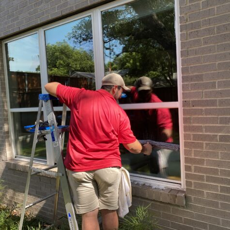 finishing professional window cleaning in Dallas